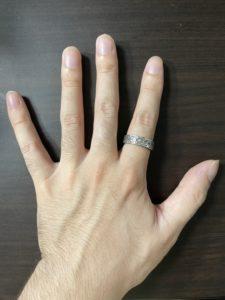 alt=メンズ 指輪 人差し指